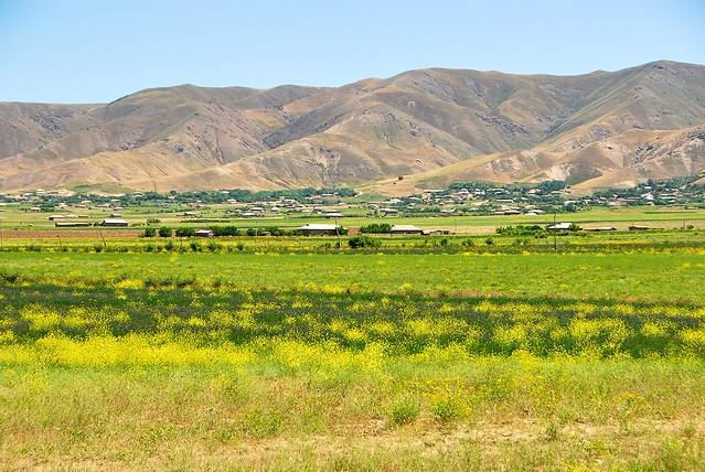 Nurata 往撒馬爾罕的公路
