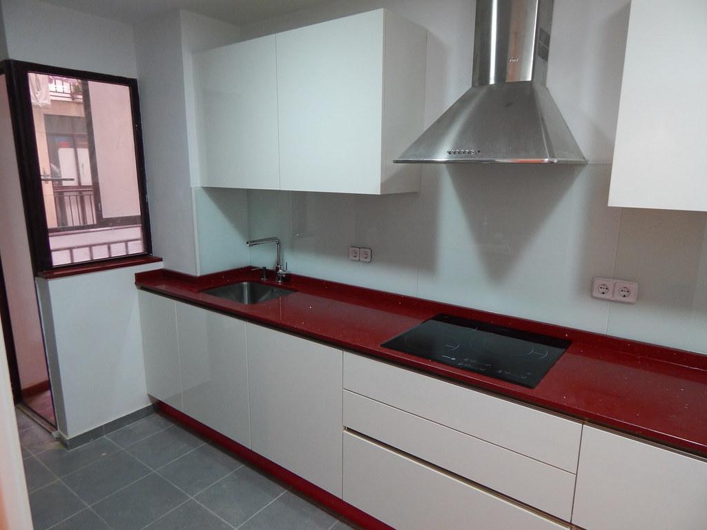 Muebles de cocina de dise o y calidad - Frente cocina cristal ...