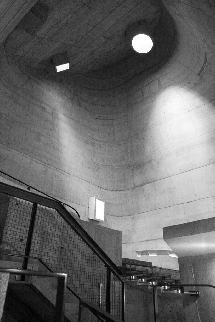 """Le Corbusier Eglise Saint Pierre Firminy-Vert, Les """"canons à lumière"""""""