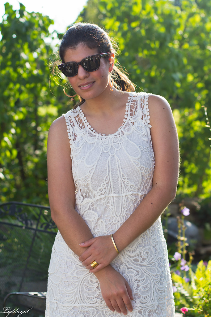 white lace-3.jpg