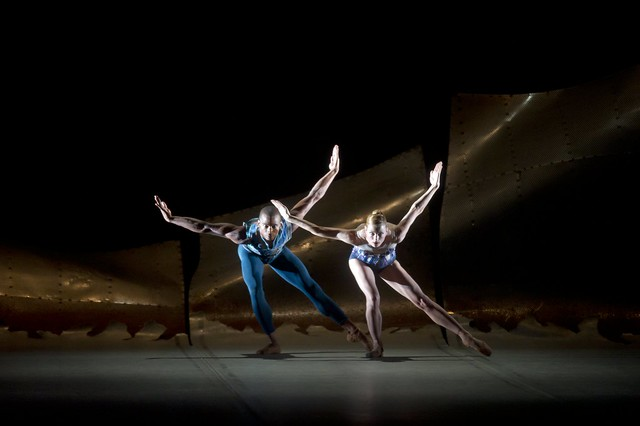 Eric Underwood and Zenaida Yanowsky  in DGV © ROH / Bill Cooper 2011