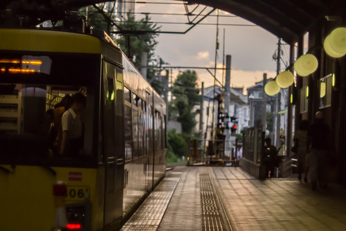 sunset yellow japan 50mm tokyo twilight f14 platform panasonic photowalk 365 nikkor townscape setagaya sangenjaya 世田谷 三軒茶屋 世田谷線 dmcg2 chicaco11