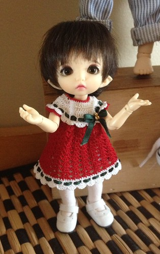 Neelie's Christmas dress.