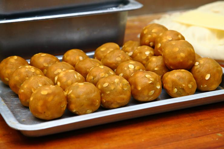 Lotus-Balls
