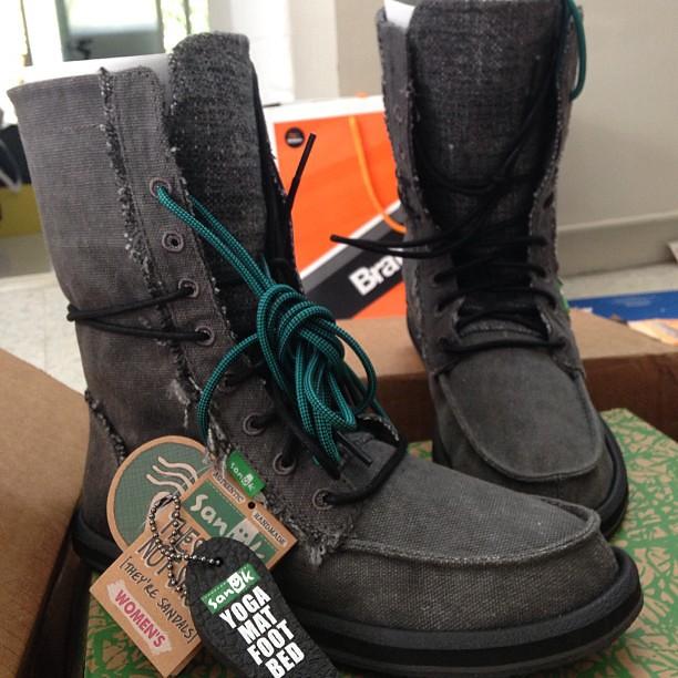 Rebecca Saw - sanuk Stevie boots ORDER