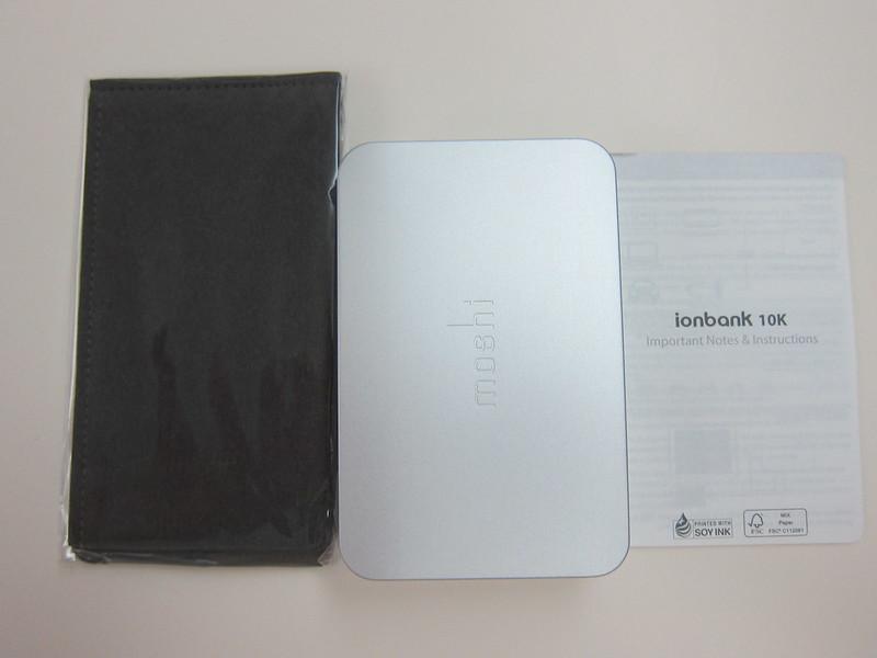 Moshi IonBank 10k - Box Contents