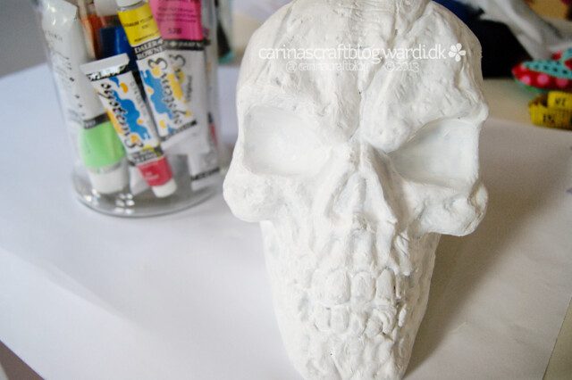 Halloween skull to calavera