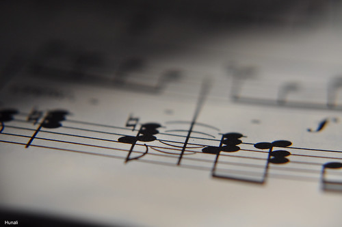 0402-1l. Music notes