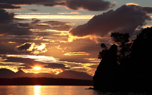 Powerfull sunset in Galiano