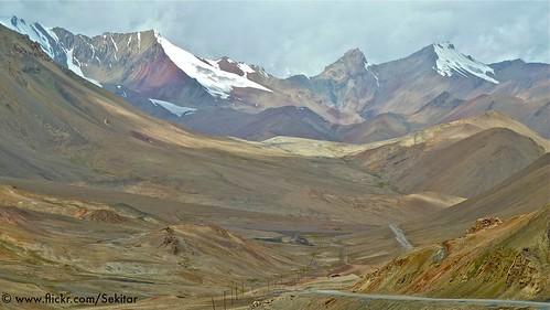 landscape asia pass east tajikistan middle centralasia pamir pemandangan tadschikistan pamirhighway gornobadakhshan earthasia akbaytal 4655m