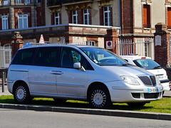 mercedes-benz viano(0.0), mercedes-benz v-class(0.0), compact car(0.0), mercedes-benz vito(0.0), automobile(1.0), automotive exterior(1.0), sport utility vehicle(1.0), vehicle(1.0), minivan(1.0), land vehicle(1.0), luxury vehicle(1.0),