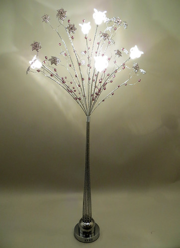 Silver woven wire and aluminium floor standard lamp for Aluminium flower floor lamp in silver