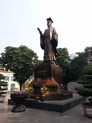 Statue of Ly Thai To in Hanoi
