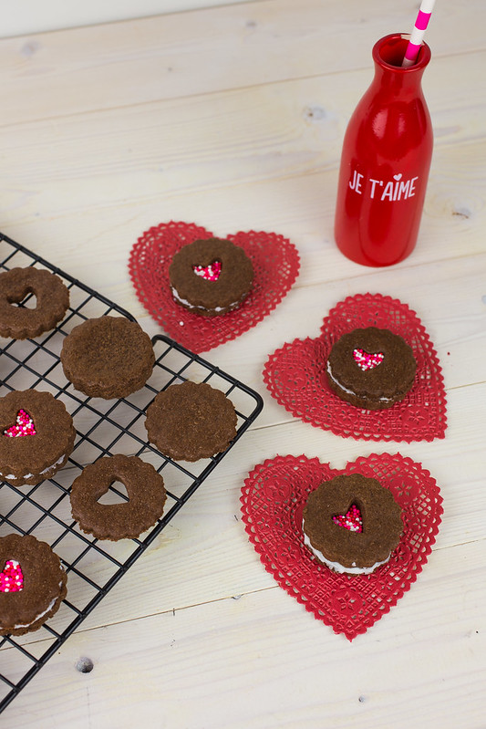 Valentine Linzer Cookies-3.jpg