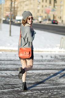 LIP_lifeinpolkadotcom_lifeinpolka_aksinia_aksinias_photoshoot_polka_dot_streetstyle_sun_and_snow_23