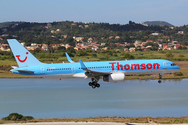 Thomson - B752 - G-OOBC (1)