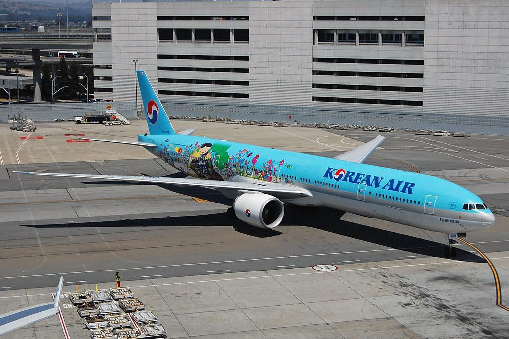 HL8209 - B77W - Korean Air