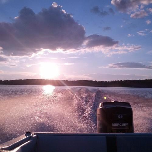 sunset boat maine nofilter pleasantpond uploaded:by=flickstagram instagram:photo=5179693814653569935169445