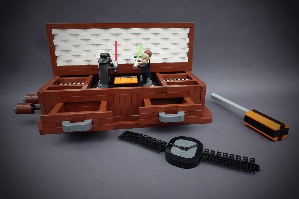 IDSMO – R2 – Star Wars Music Box (custom built Lego model)