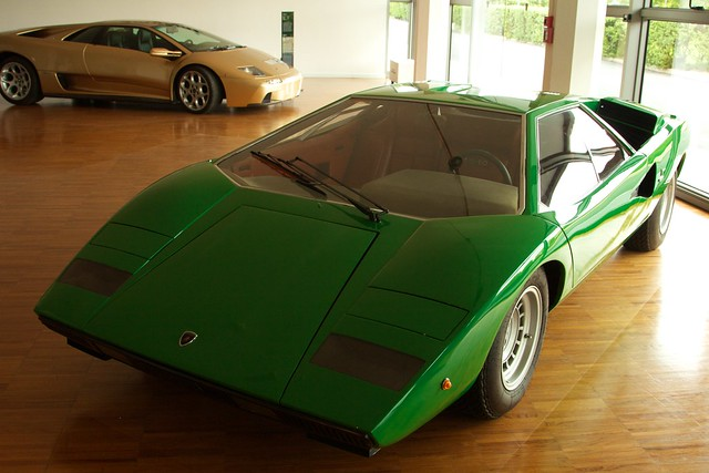 lamborghini countach lp 400 and its successor the diablo. Black Bedroom Furniture Sets. Home Design Ideas