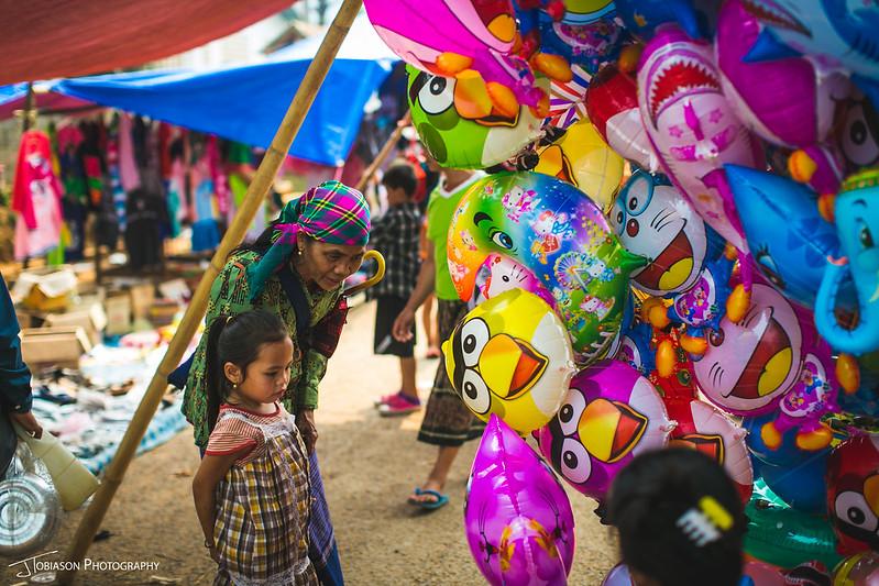 balloons market laos