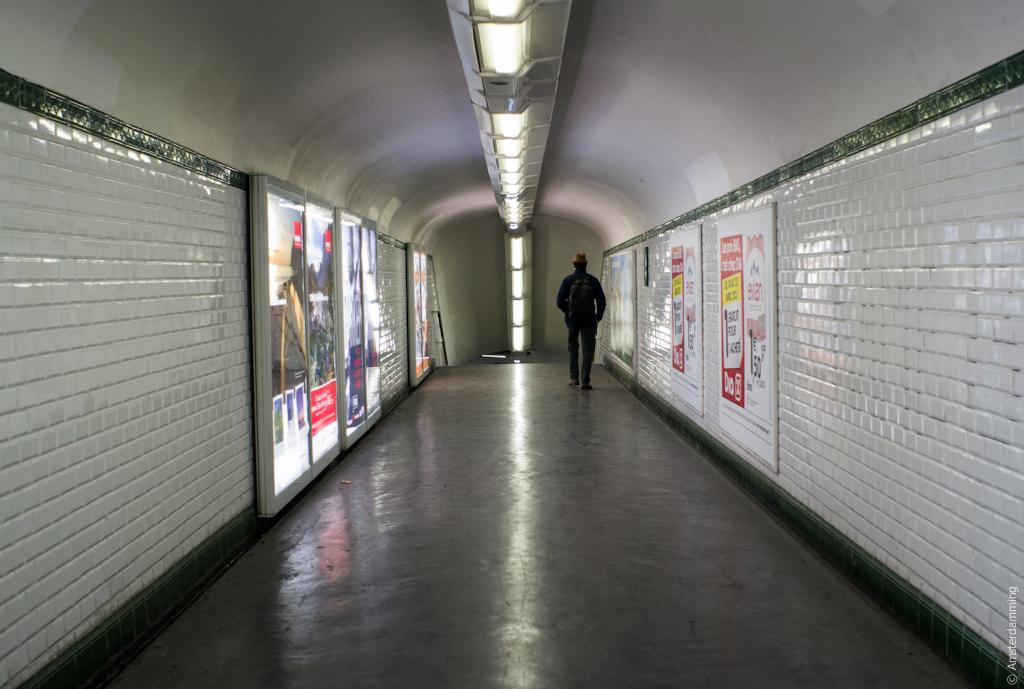 Paris, Metro Hallway