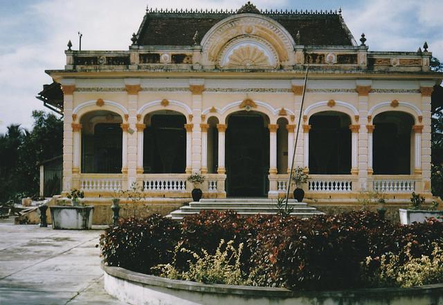 Mansion in Ben Tre 1964 - Một dinh thự ở Bến Tre