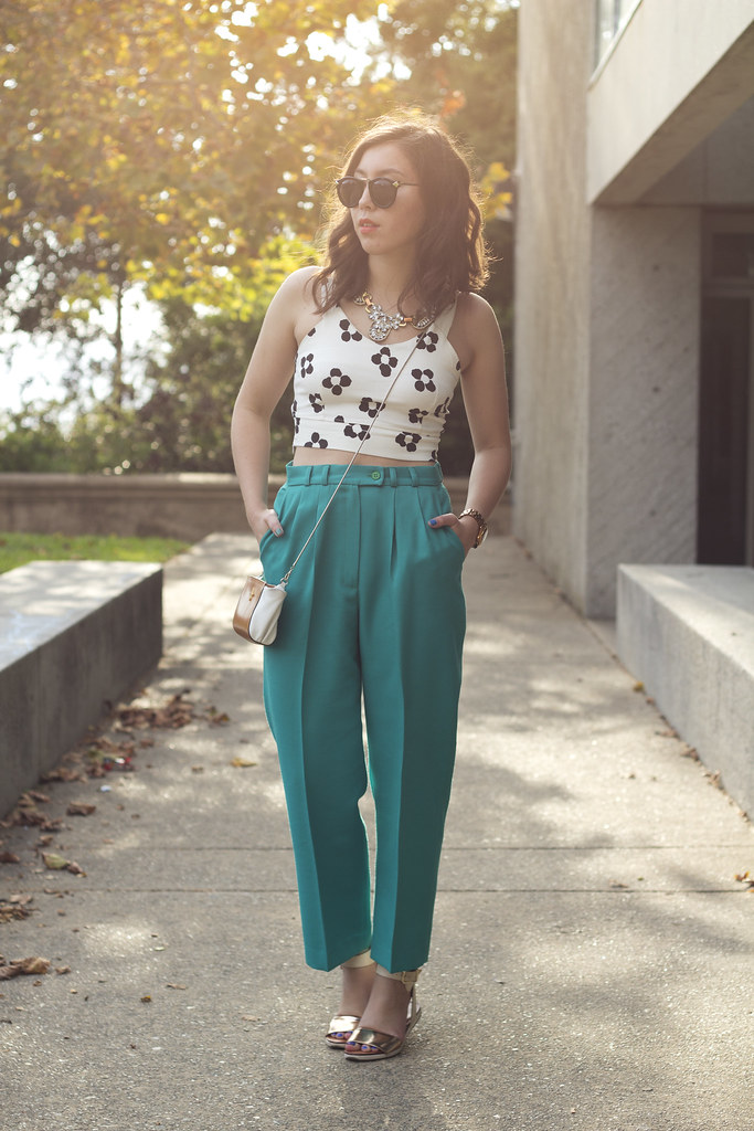how to style high waisted pants, voluminous trousers, crop top, choies sun print two piece set, shoppalu vintage clothing