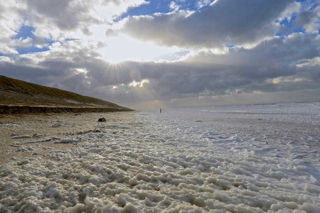 springtij & storm, paal 12, texel | marloes van der vis | flickr