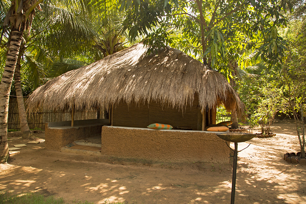 Mud Hut Sri Lanka 2013 2013-11-26 (1)