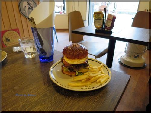 Photo:2014-01-18_ハンバーガーログブック_【大阪】【阿波座】Burgerlion 2回めの訪問でシグネチャーモデルをぱくつきました!-03 By:logtaka