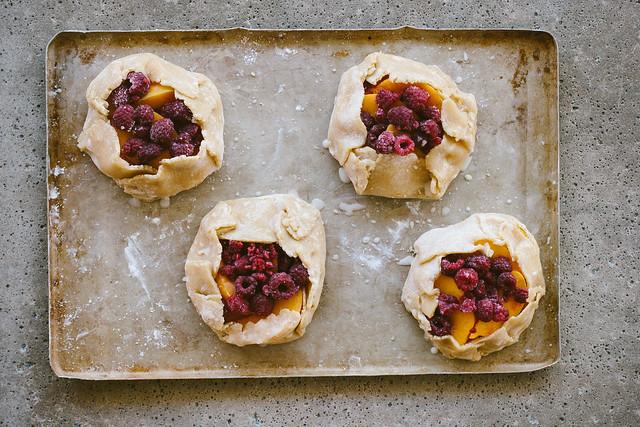 gluten-free peach + raspberry crostata