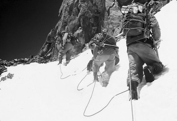 Κ2 1953 Expedition - Brotherhood On The Rope...