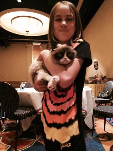 Hala & Grumpy Cat