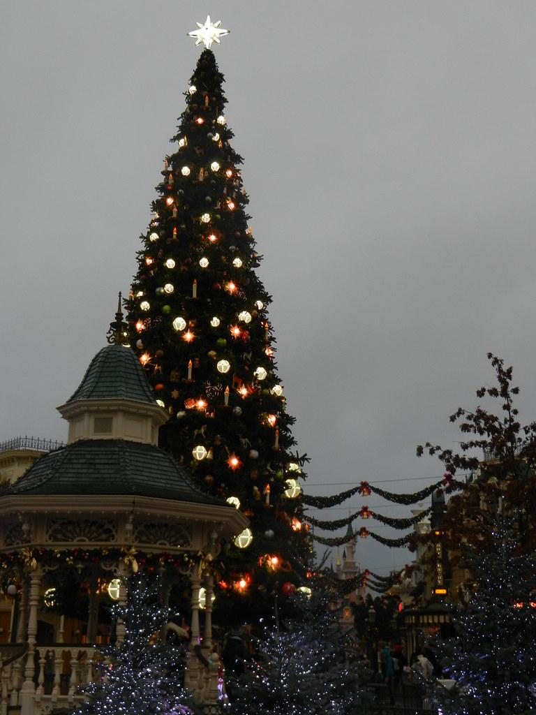Un séjour pour la Noël à Disneyland et au Royaume d'Arendelle.... - Page 6 13875643503_70b068e629_b