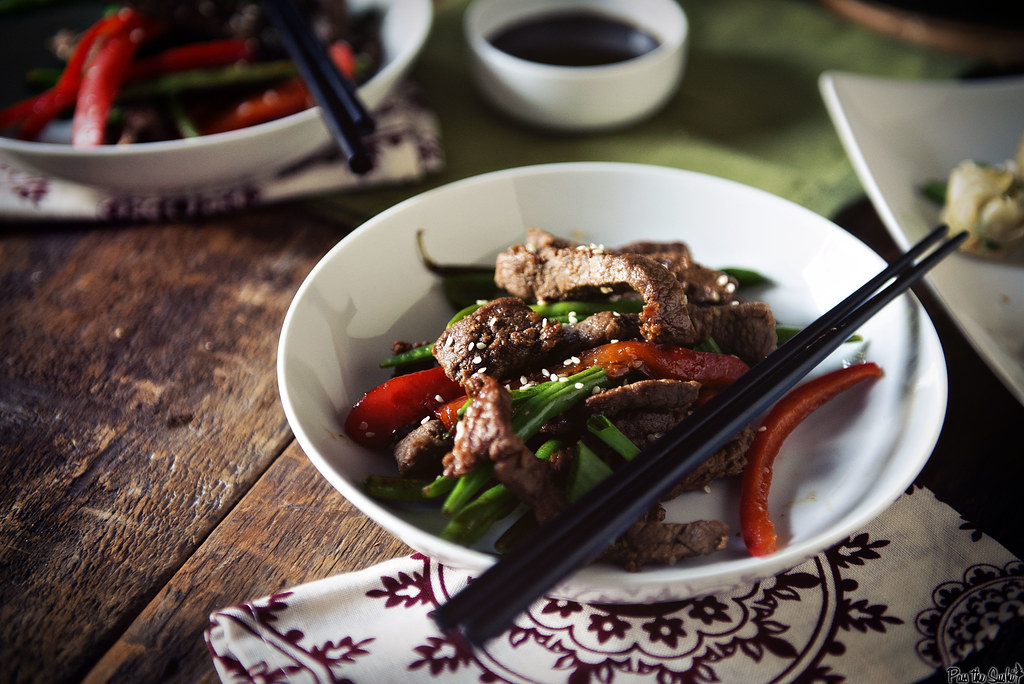 Sesame Steak Stir Fry. An effortless weeknight dinner that you can have on the table in under 30 minutes with rave reviews and minimal dishes | GirlCarnivore.com