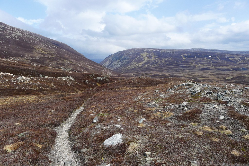 Dropping into Glen Gairn