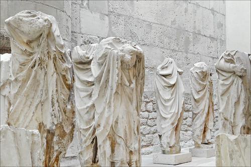 Statues acéphales (Musée de Cluny)