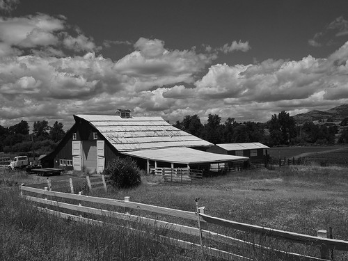 Barn on old Jackson Road.