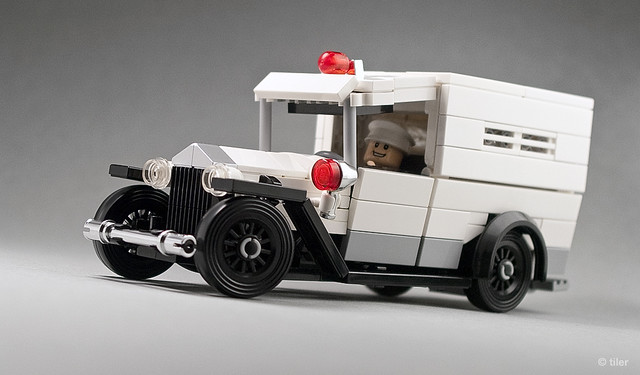 Lego 1930 Ford Model A – Ambulance _05