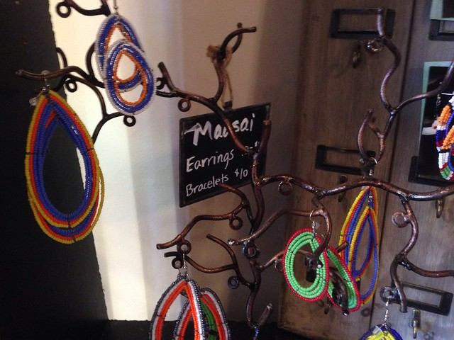 Creative Women of the World - Massai earrings and bracelets