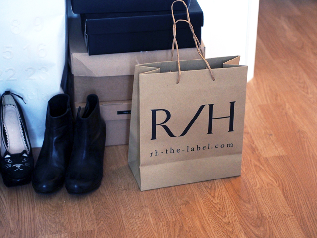 rh the label