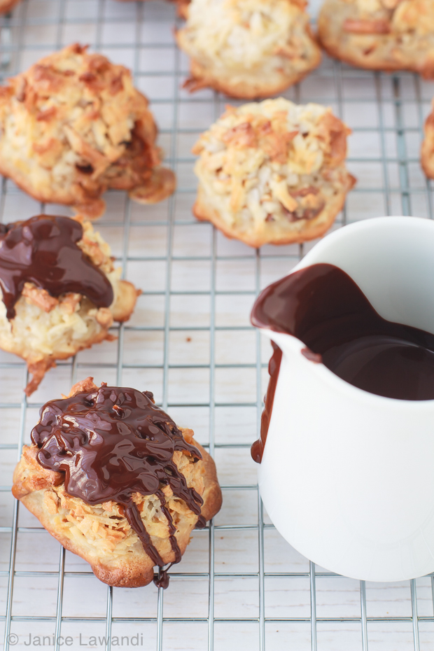 stoopid macaroons covered in melted chocolate | kitchen heals soul