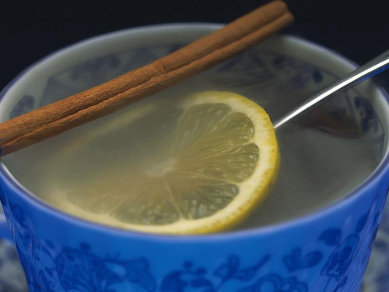 Cinnamon_and_lemon_tea