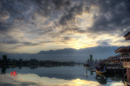 sky india mountain lake reflection clouds sunrise ngc houseboat kasmir hdr dallake flickrforkashmir
