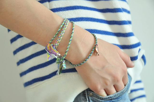 Friendship bracelets with a twist :: a DIY
