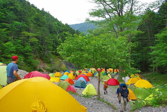 北沢長衛小屋のテント場