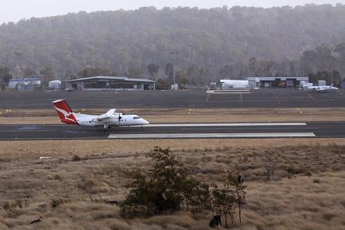 Touchdown at Mount Hotham: Qantas Dash-8 200 VH-TQG