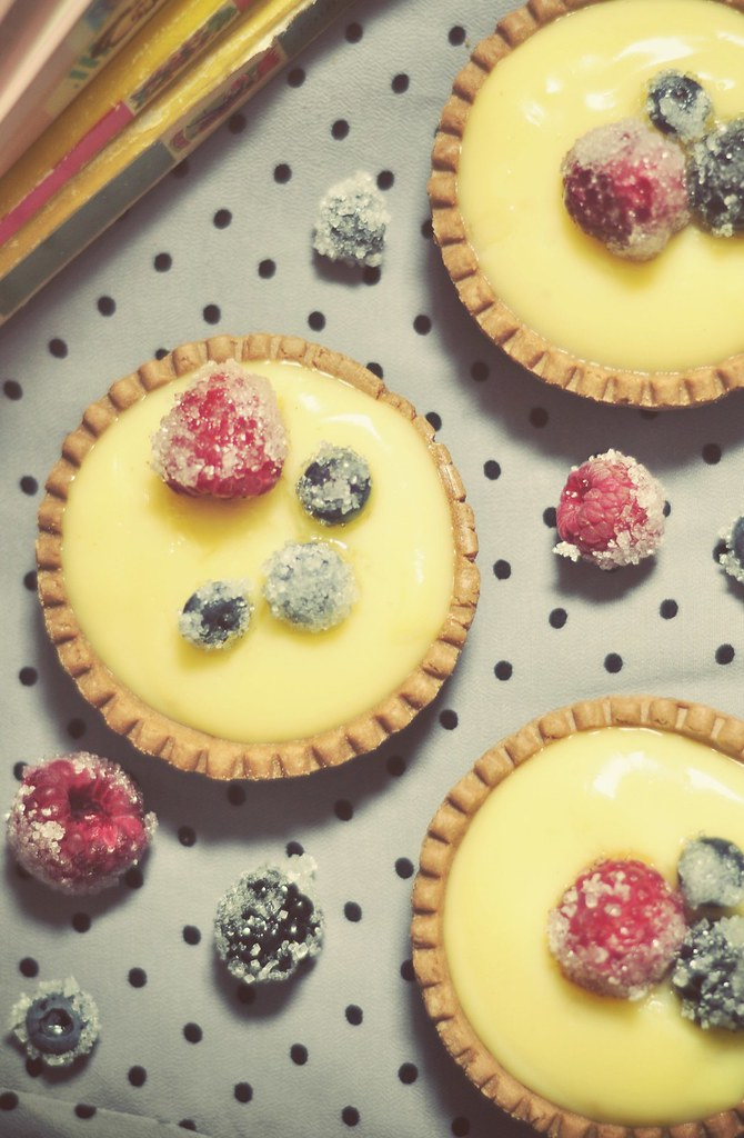 vanilla_tarts_with_sugared_berries (2)
