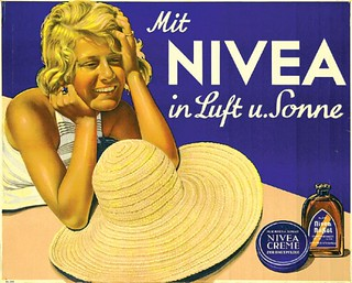 With Nivea cream in air and sun (1935)